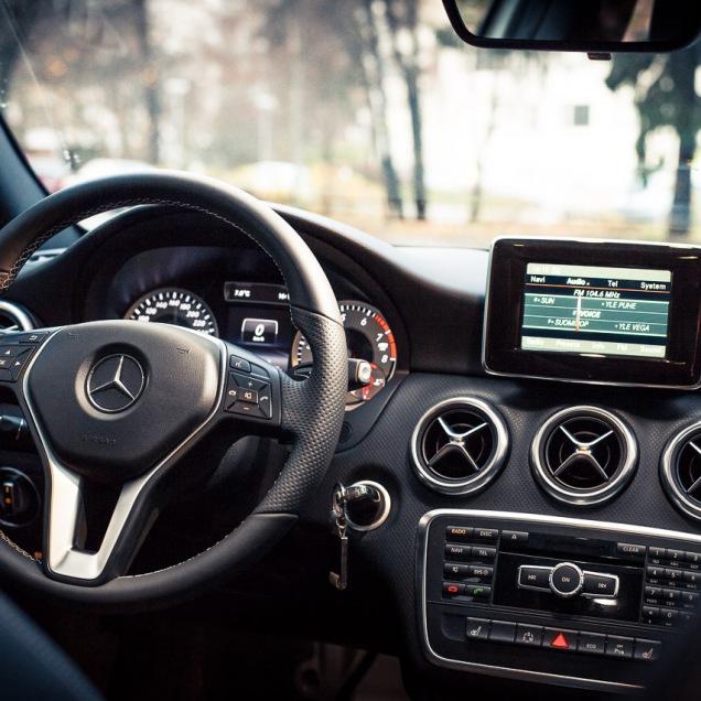 Mercedes-Benz A-sarjan keskikonsoli