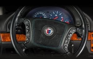 Alpina B10 V8 koeajo detaili