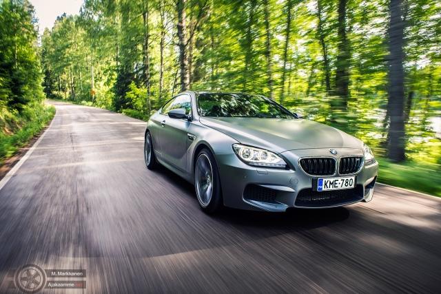 BMW:n uusi muskelihirviö rauhallisessa maisema-ajossa.