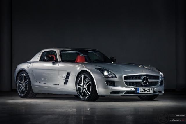 Mercedes_SLS-1