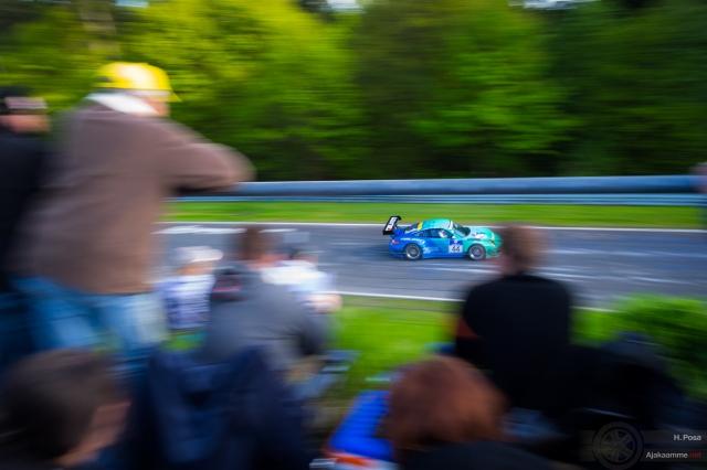 Nürburgring 24h-kilpailu on kiistatta se tapahtuma, joka jokaisen moottoriurheilun ystävän tulisi kokea. Kuva otettu ennen surullisenkuuluisaa vesisadetta. Tänä vuonna se muuten ajetaan 19. - 22.06.