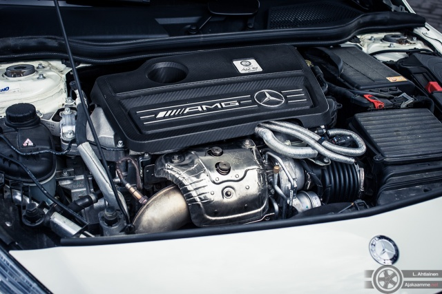 MercedesA45AMG-9