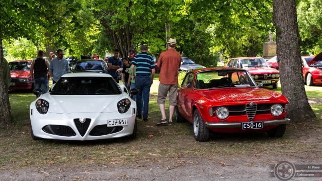 Maisemat koostuvat kartanosta ja Italialaisista autoista: Bella Italia