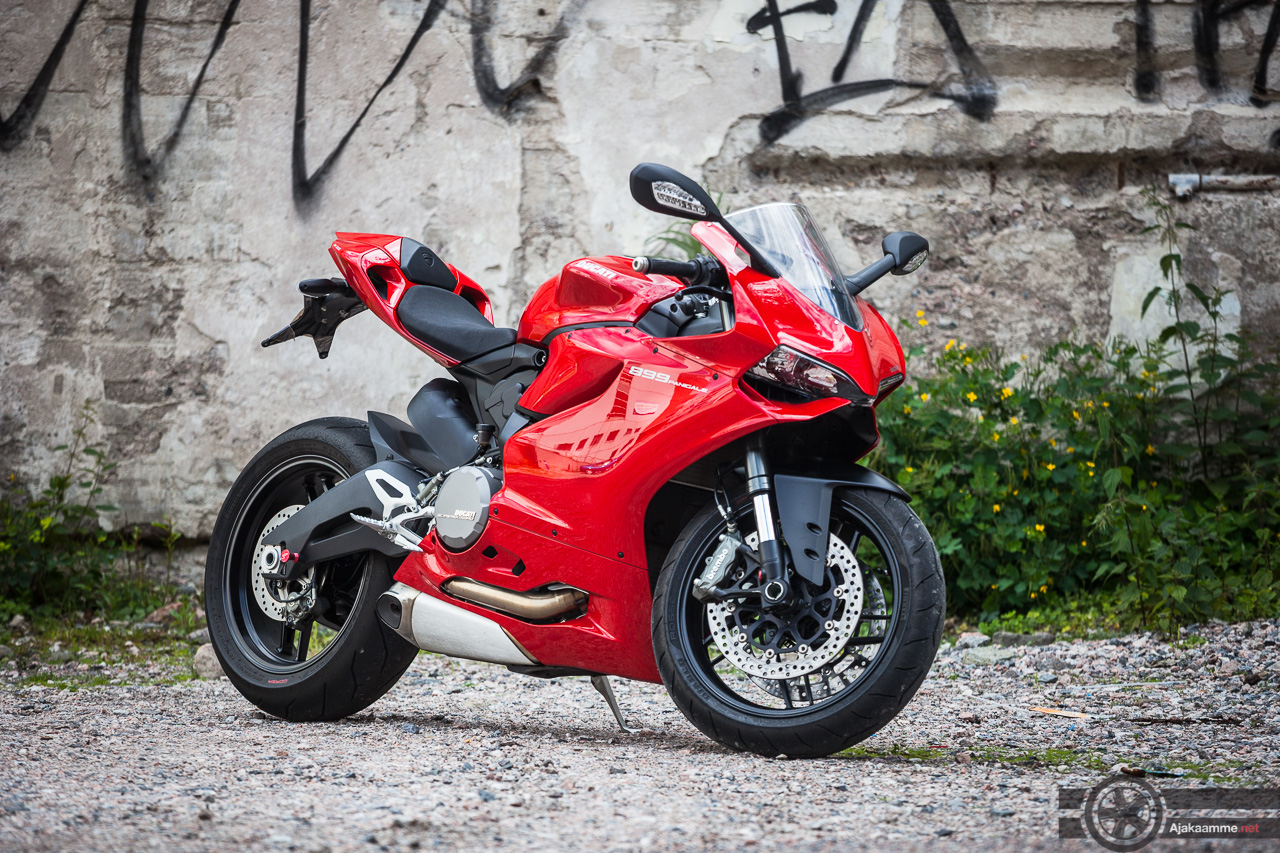 Ducati_899_Panigale-2