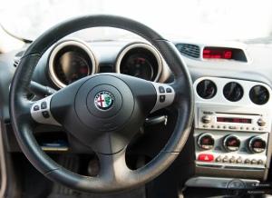 Alfa Romeo 156 ohjaamo