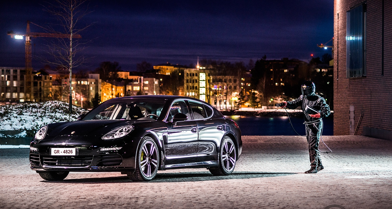 Porsche Panamera S E-Hybrid latausharjoitukset