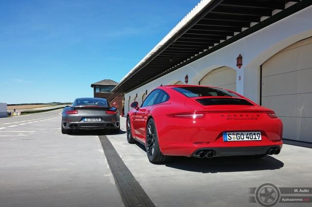 Rataa kierrettiin turva-autona toimineen 911 Turbo S:n perässä